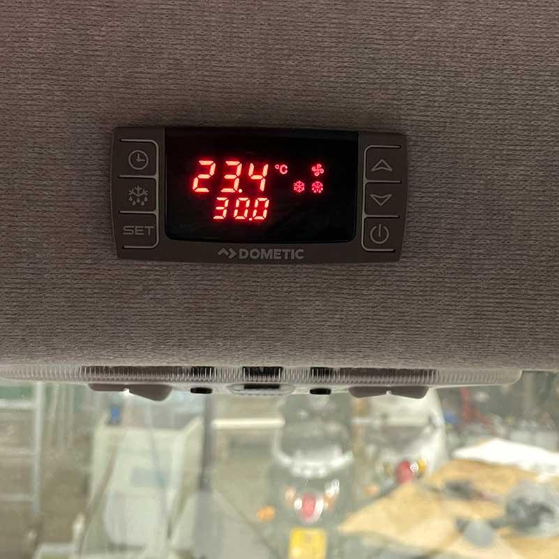 temperatuurmeter bestelwagen dierenvervoer
